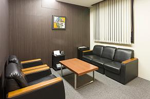 横浜事務所:応接室